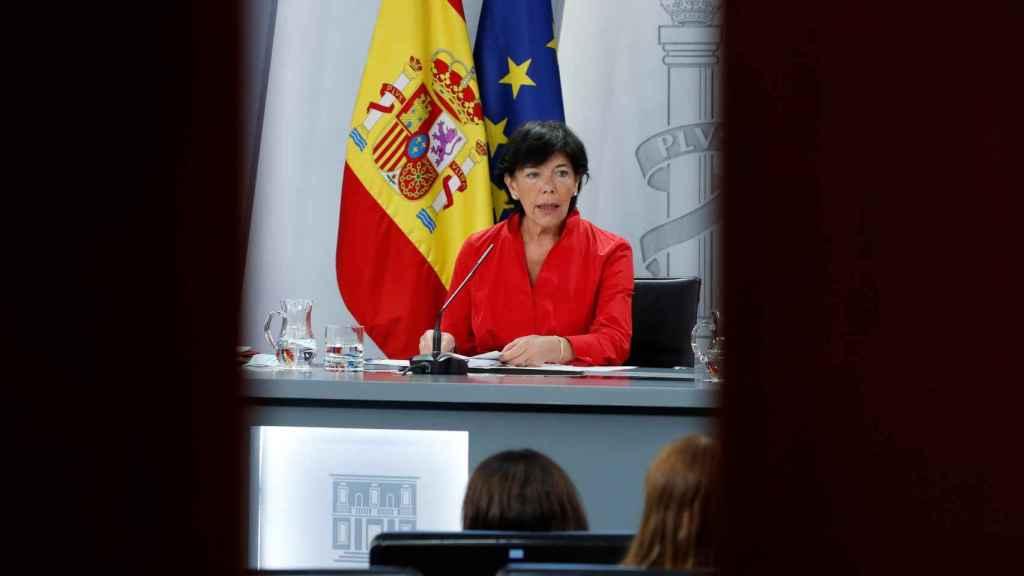 La ministra de Educación, Isabel Celaá, en la rueda de prensa conjunta tras a conferencia sectorial mixta.