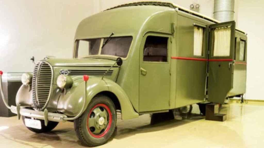 El camión que utilizó Franco en la Guerra Civil.