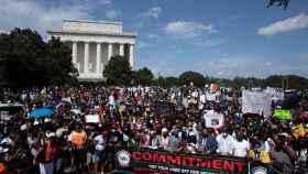 Miles de personas piden justicia en el aniversario de la marcha sobre Washington de Luther King
