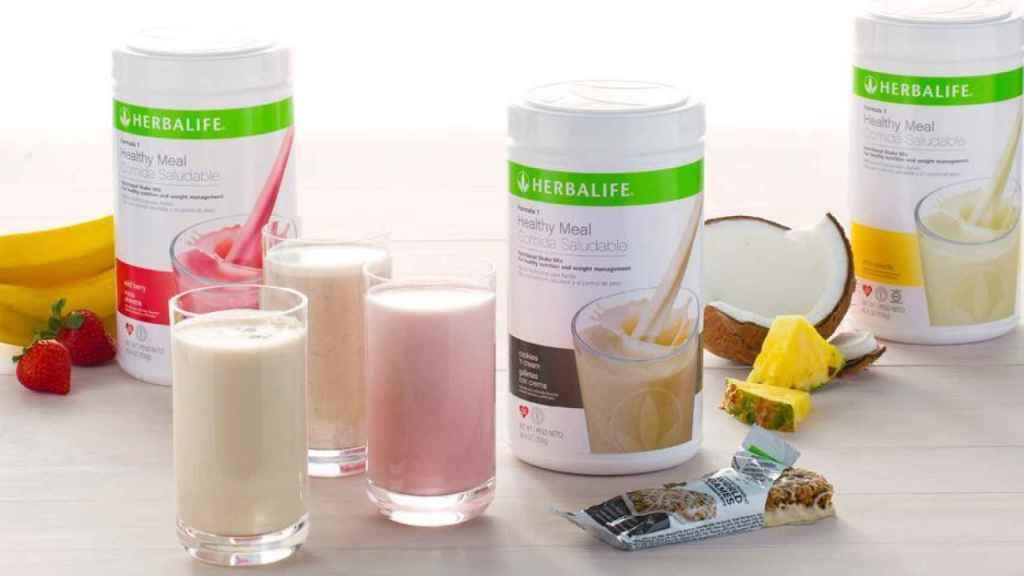 Varios productos adelgazantes de Herbalife.