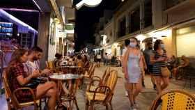Vista de una calle de Sitges.