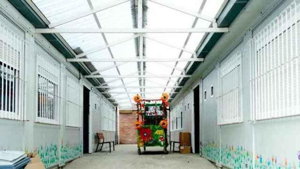 Aulas prefabricadas en un colegio.