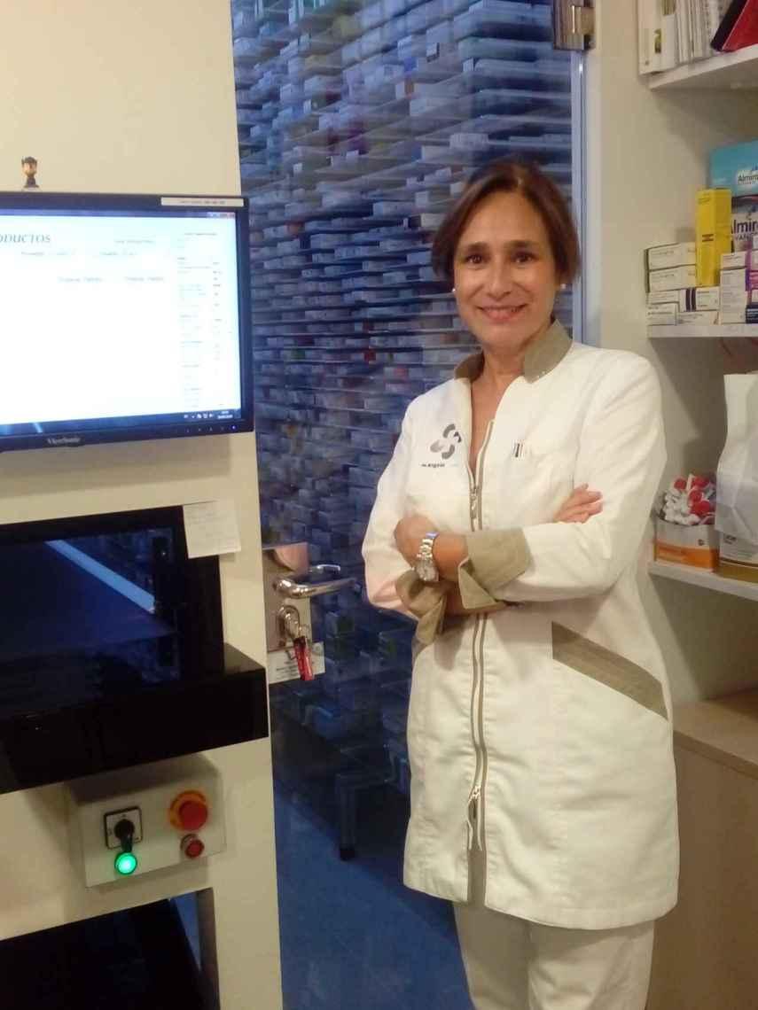 Ángela Angoitia lleva 33 años como farmacéutica.