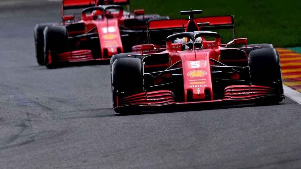 Vettel y Leclerc pelean por la posición en el GP de Bélgica