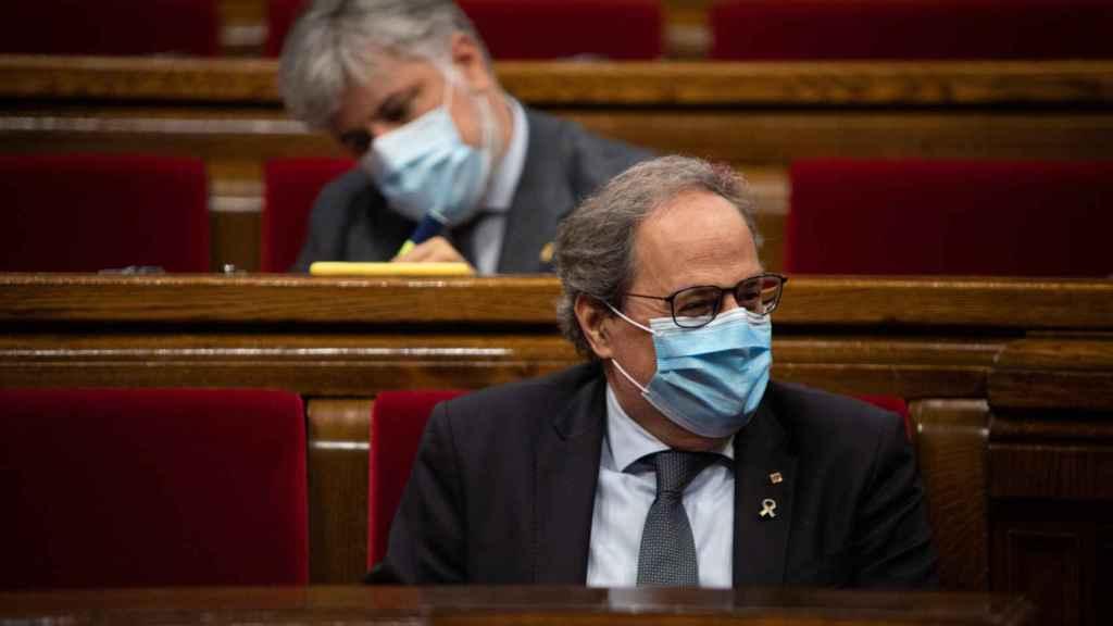 El presidente de la Generalitat, Quim Torra, durante un pleno extraordinario que solicitó en el Parlament de Cataluña.