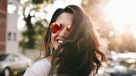 Presume de bronceado: prolonga el tono dorado de tu rostro con estos trucos y cuidados