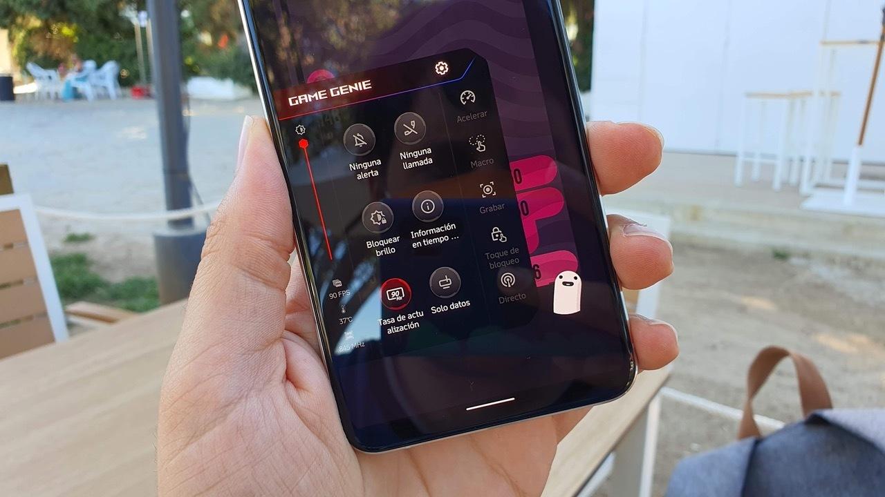 Asus Zenfone 7 Pro, análisis: una cámara divertidísima y una