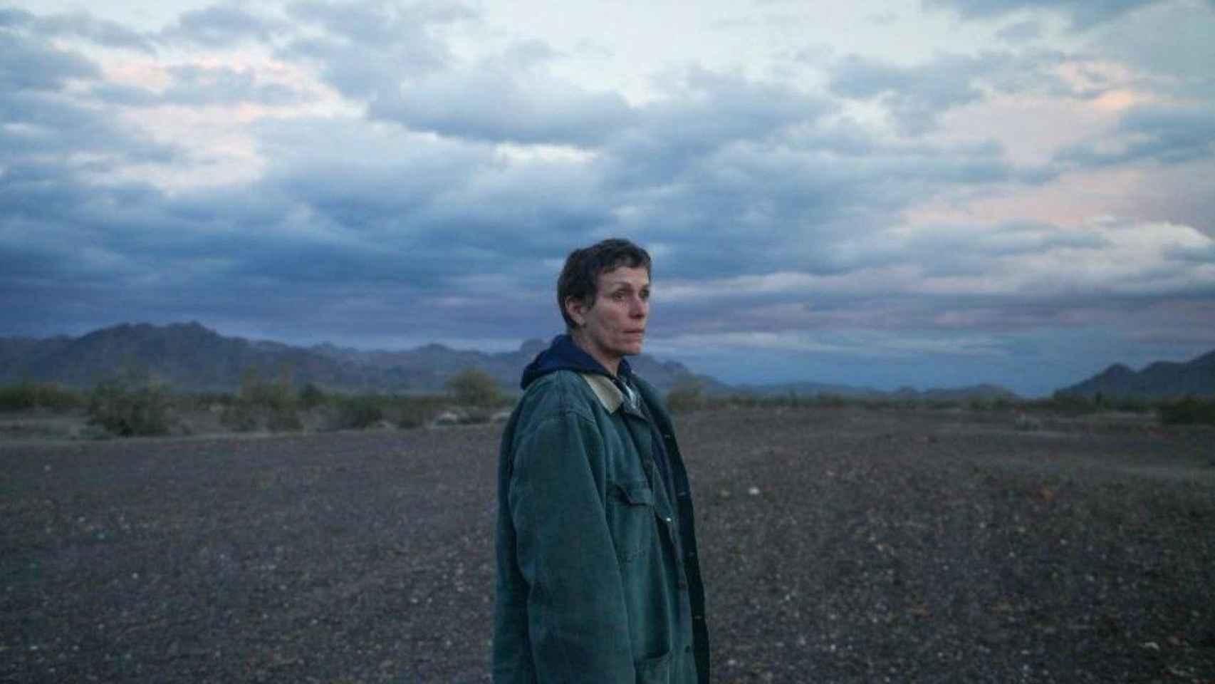 Frances McDormand protagoniza Nomadland, de Chloe Zhao.