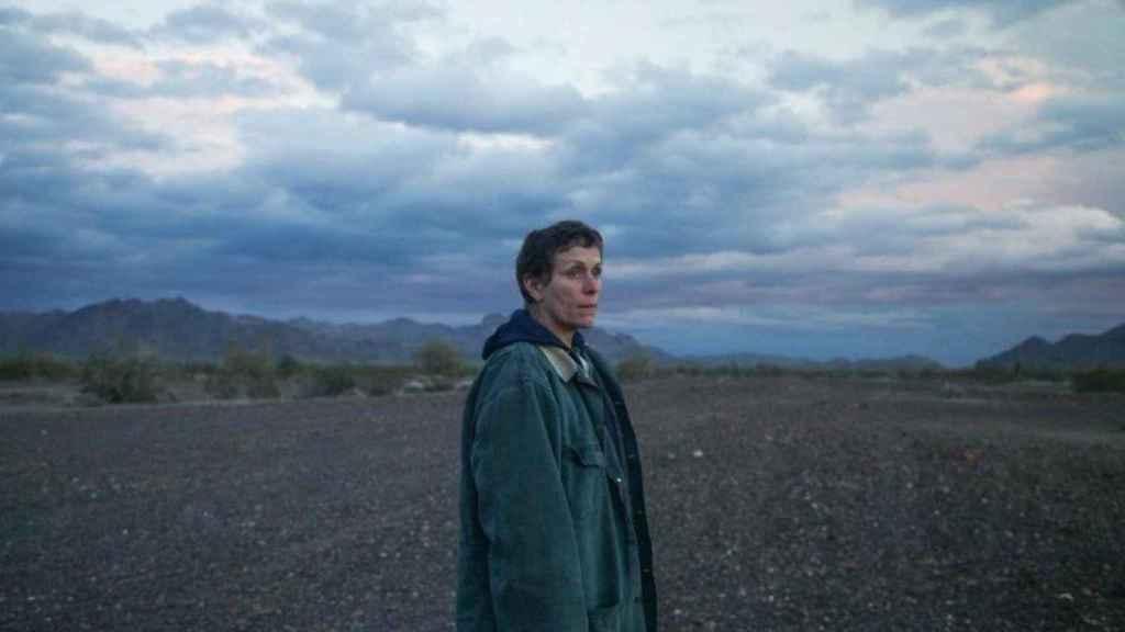 Frances McDormand protagoniza Nomadland, de 'Chloe Zhao'.