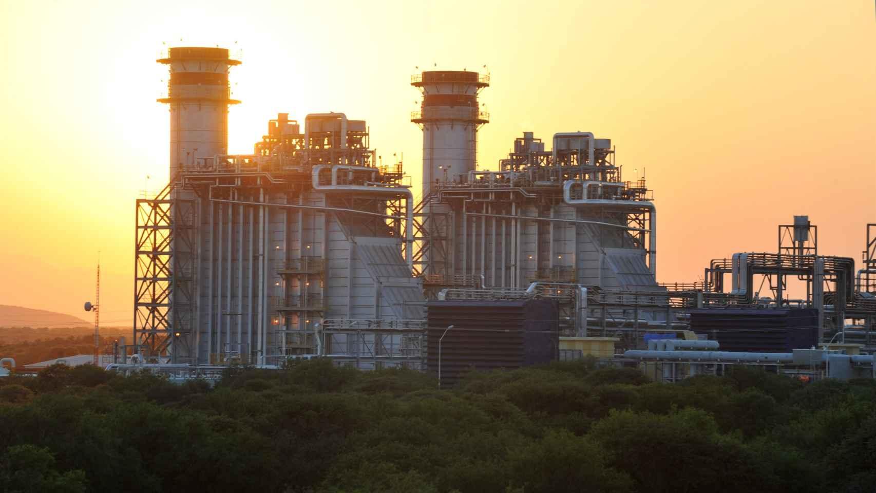 Los ciclos combinados fueron en julio y agosto la principal fuente de energía eléctrica