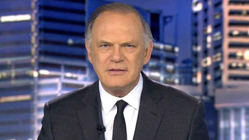 Pedro Piqueras durante la emisión de un informativo.