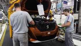 Imagen de una línea de producción de coches.