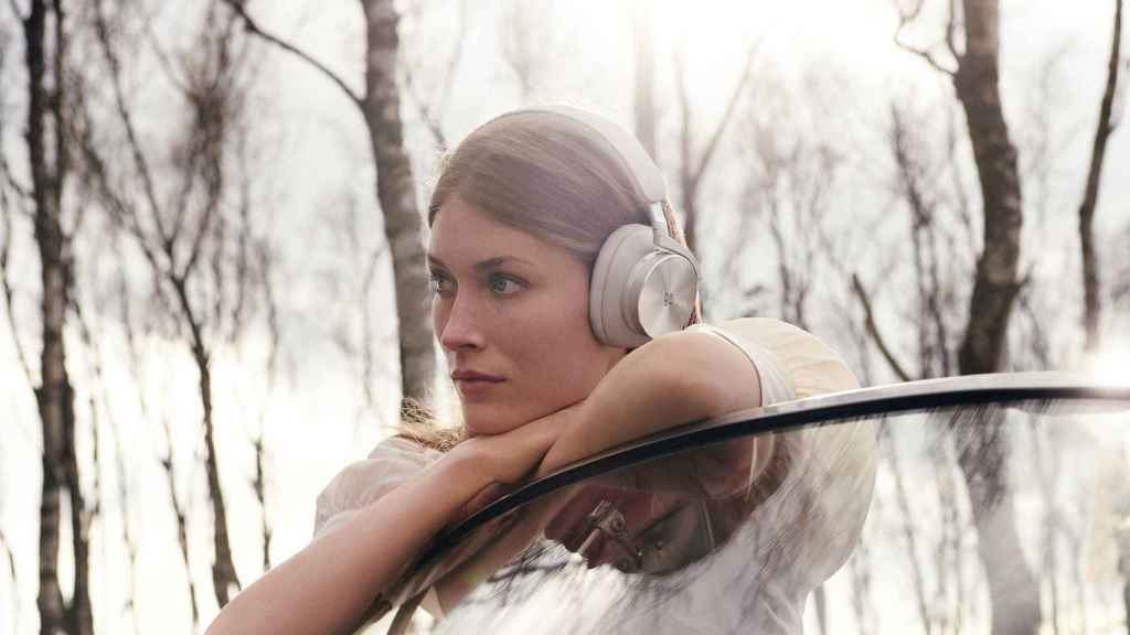 Bang and Olufsen Beoplay H95.