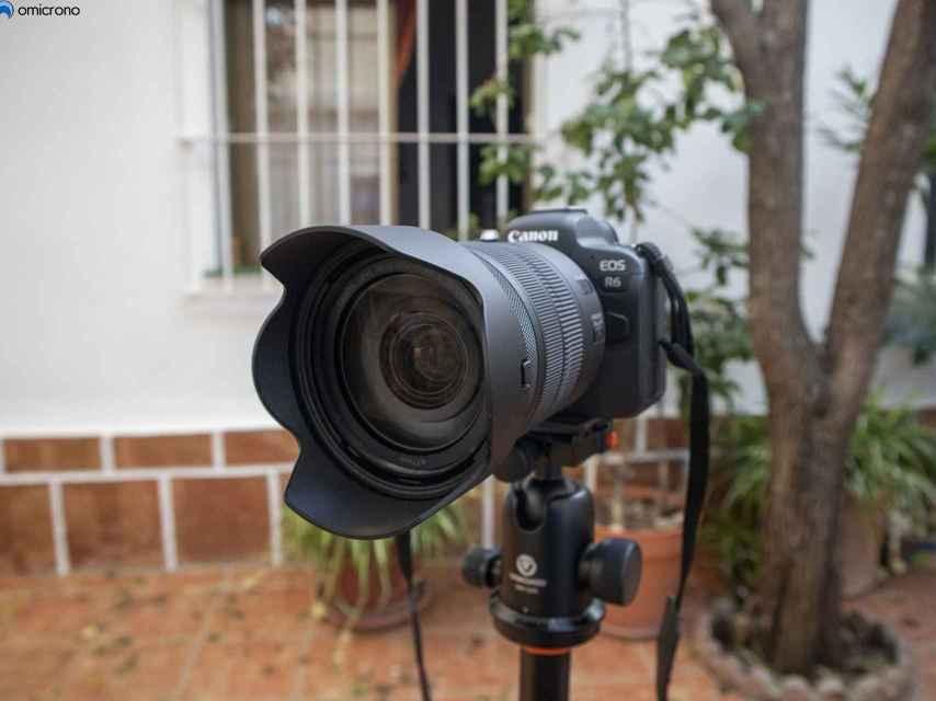 Canon EOS R6.
