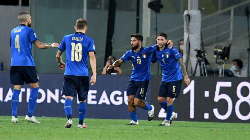 La selección de Italia celebra un gol