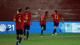 España celebra su gol ante Ucrania