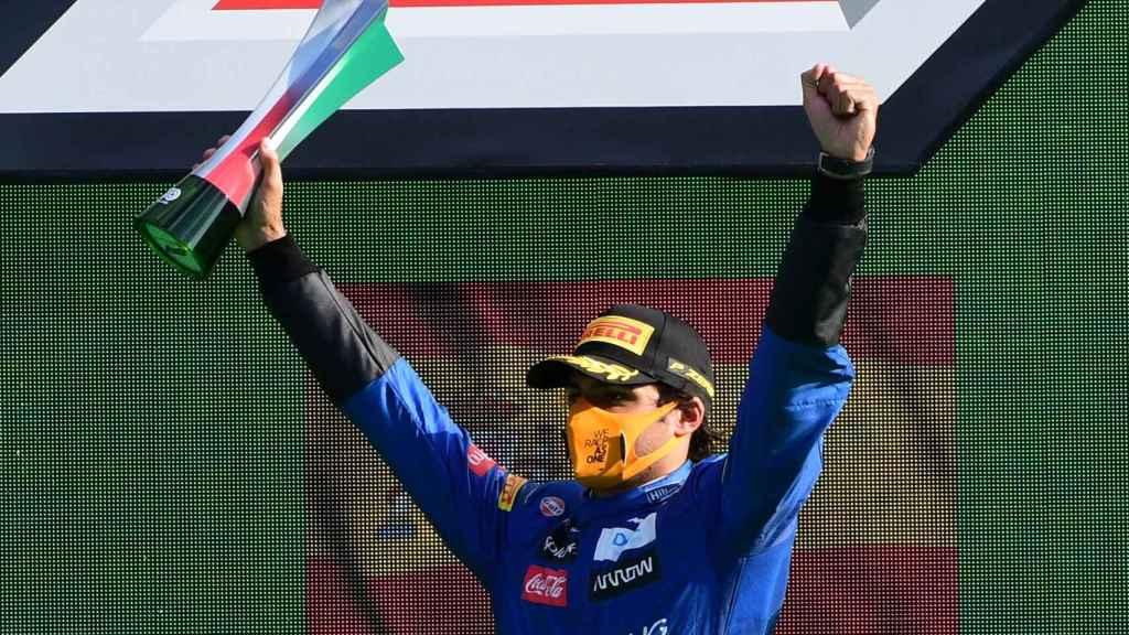 Carlos Sainz Jr. en podio del Gran Premio de Italia de la Fórmula 1