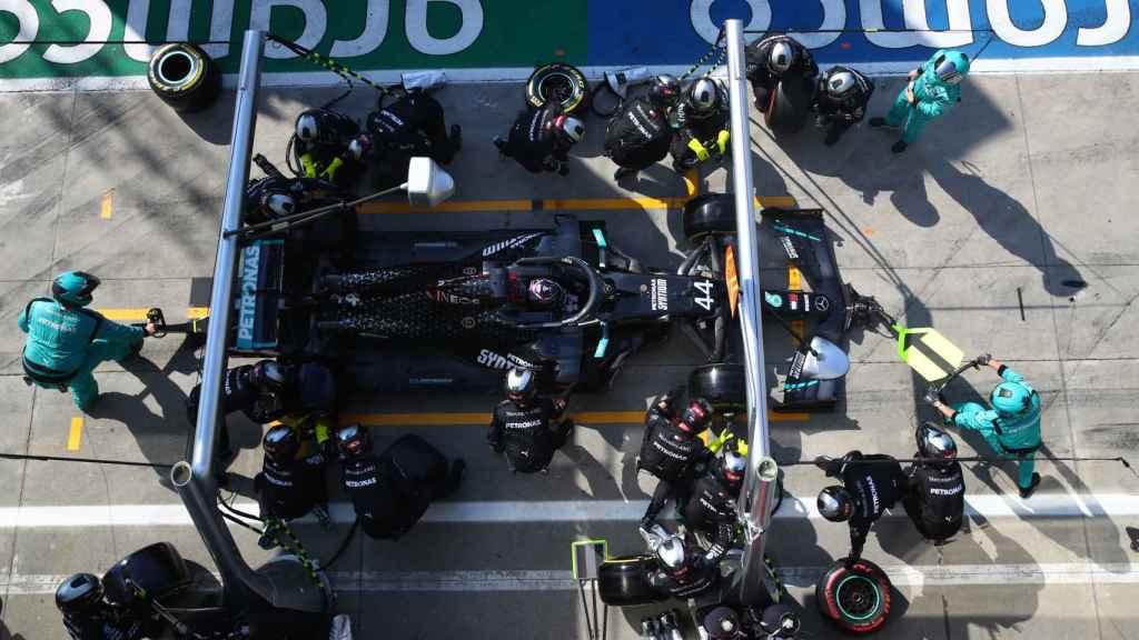 Parada en boxes de Lewis Hamilton durante el Gran Premio de Italia de la Fórmula 1