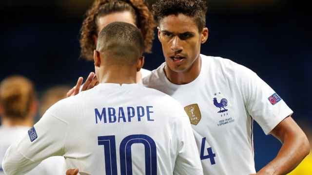 Kylian Mbappé y Raphael Varane, con la selección de Francia