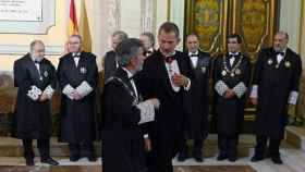La Sala de Gobierno del Supremo, integrada solo por magistrados, recibe el año pasado a Felipe VI./