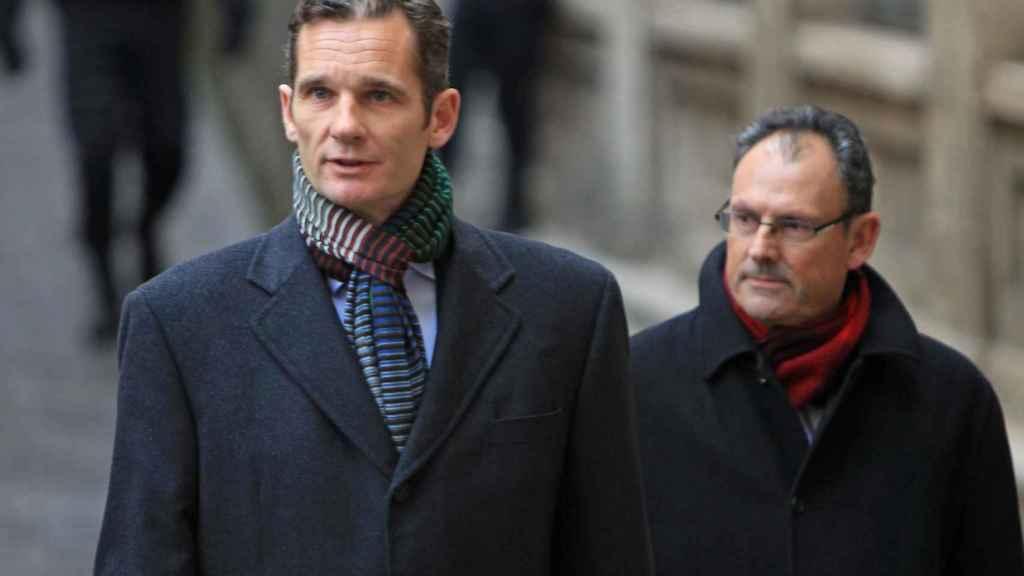 Iñaki Urdangarin y Mario Pascual en los juzgados en el mes de febrero del 2013.