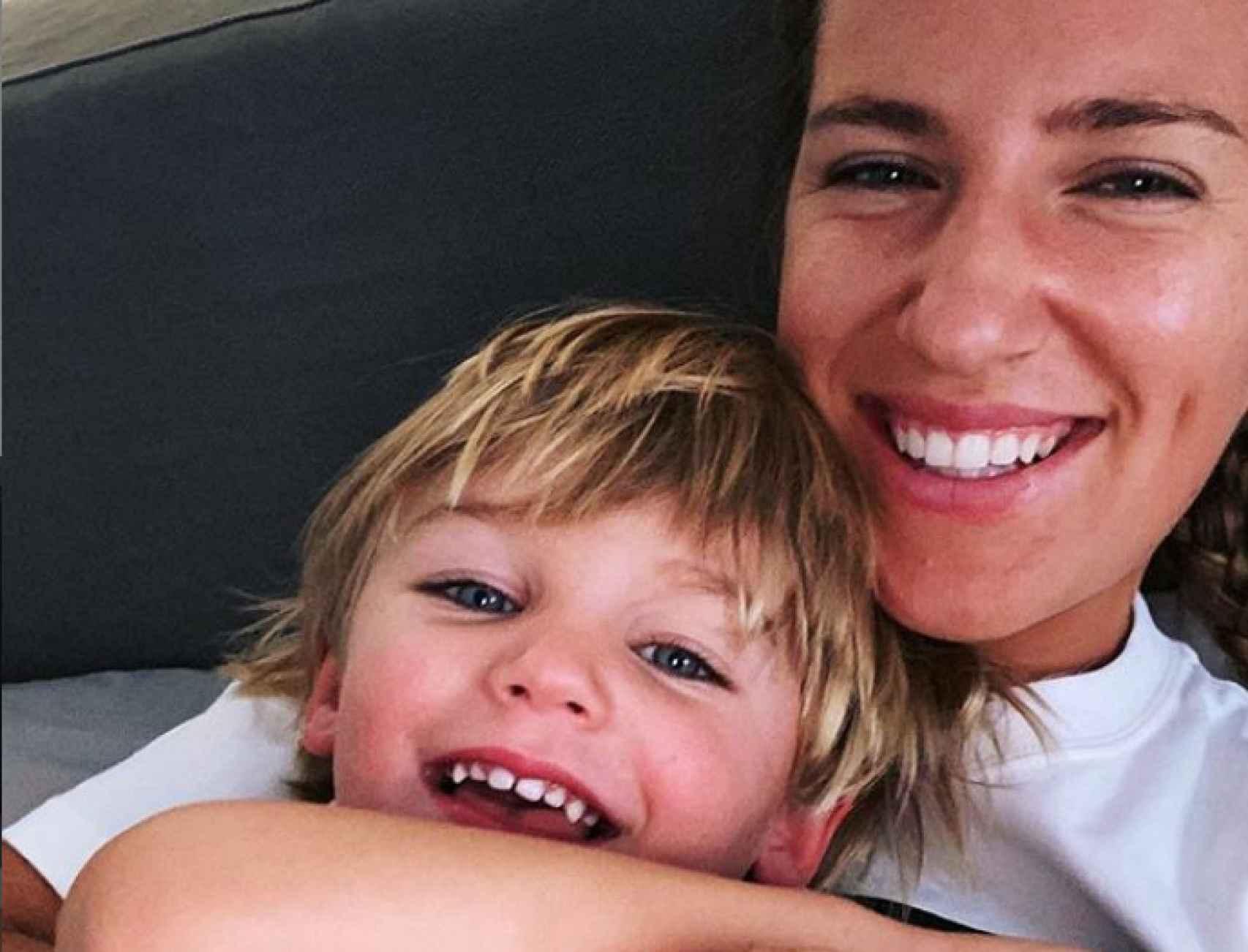 Victoria Arazenka y su hijo, en su última publicación de Instagram