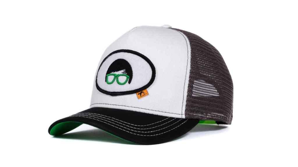 También destacan sus gorras de edición limitada con grandes celebridades.