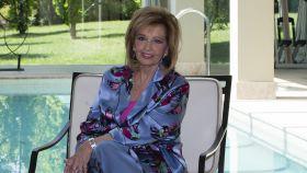 María Teresa Campos en una imagen tomada en la piscina de su casa de Las Rozas.
