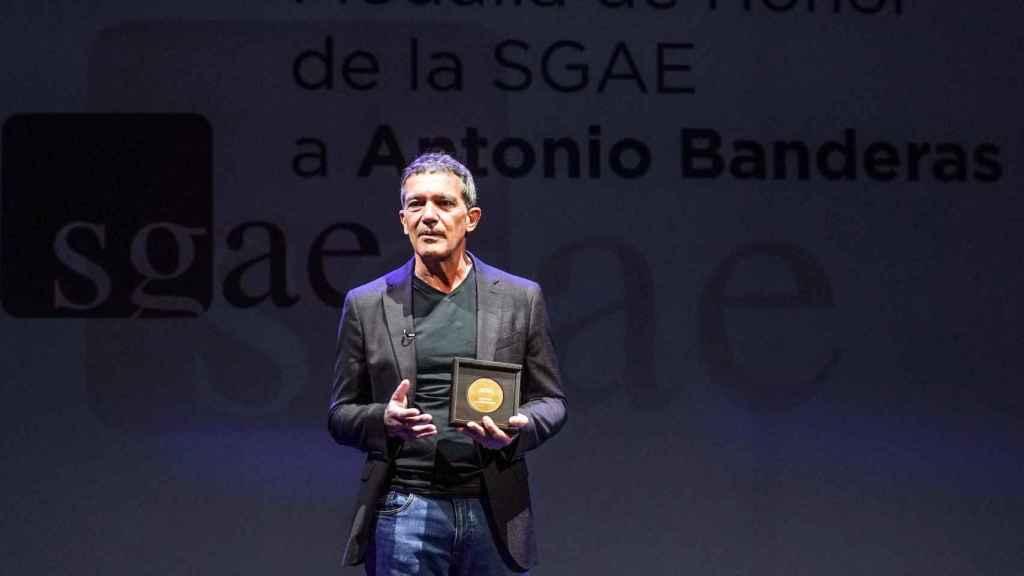 Antonio Banderas recoge la Medalla de Honor de la SGAE