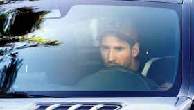 Messi llega el primero a la Ciudad Deportiva del Barça para su primer entrenamiento