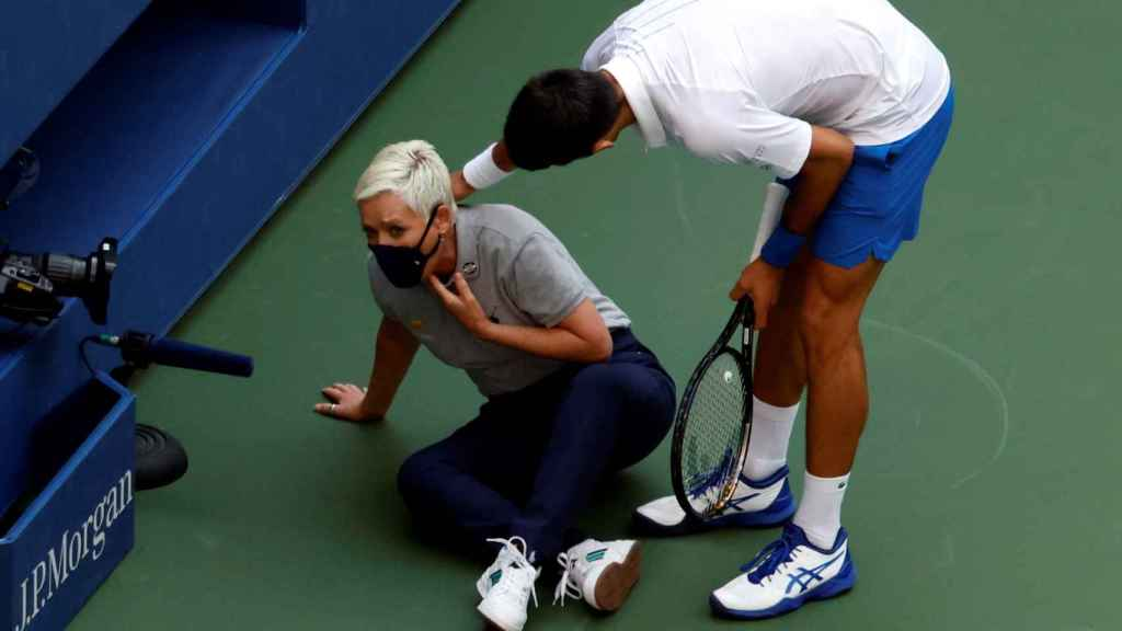 Djokovic, tras golpear a la juez de línea en el US Open.