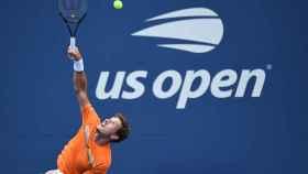 Carreño, sacando durante un partido en el US Open.