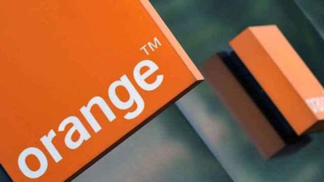 Rótulo de Orange en una de sus tiendas.