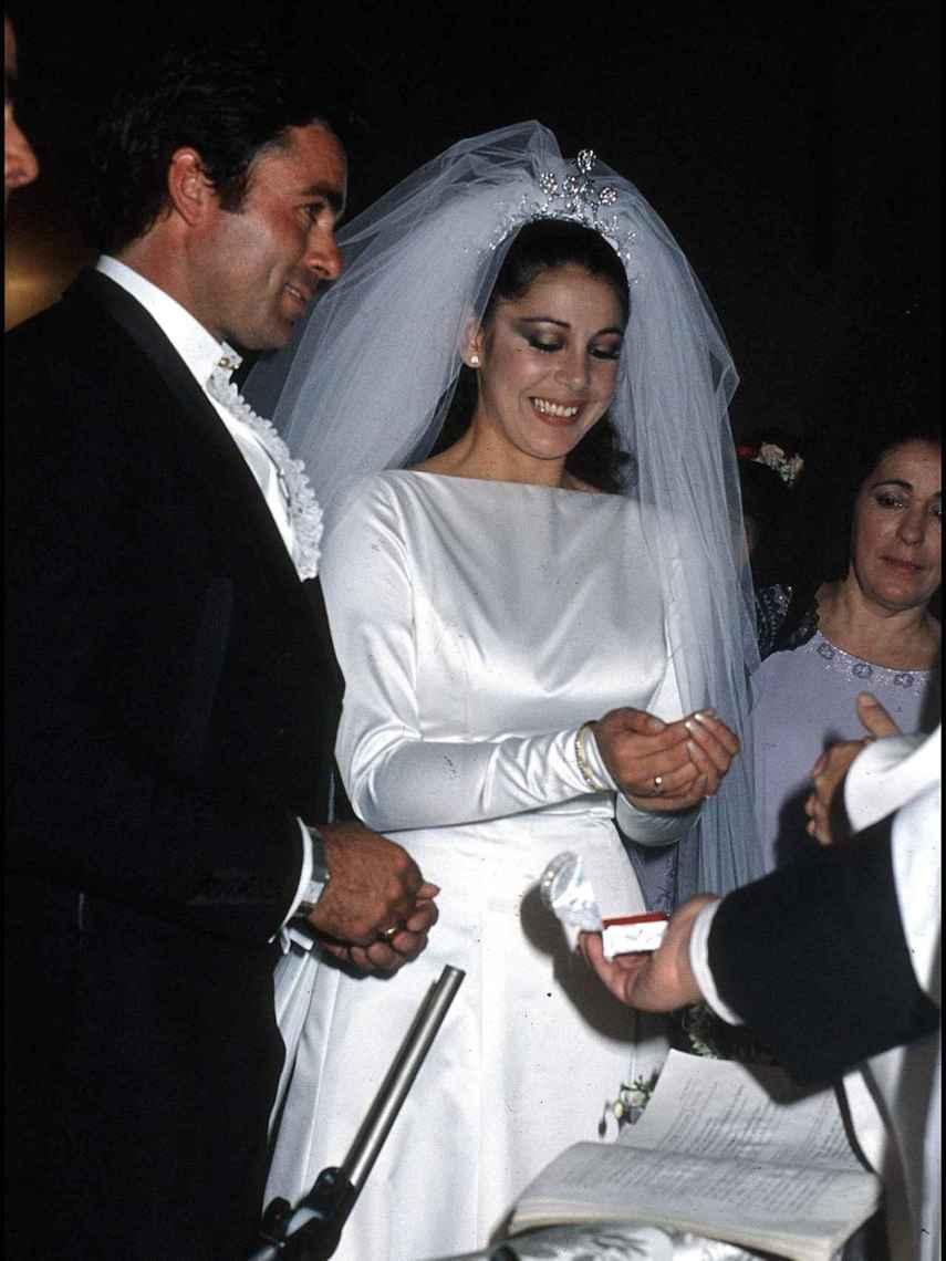 Paquirri e Isabel Pantoja el día de su boda.