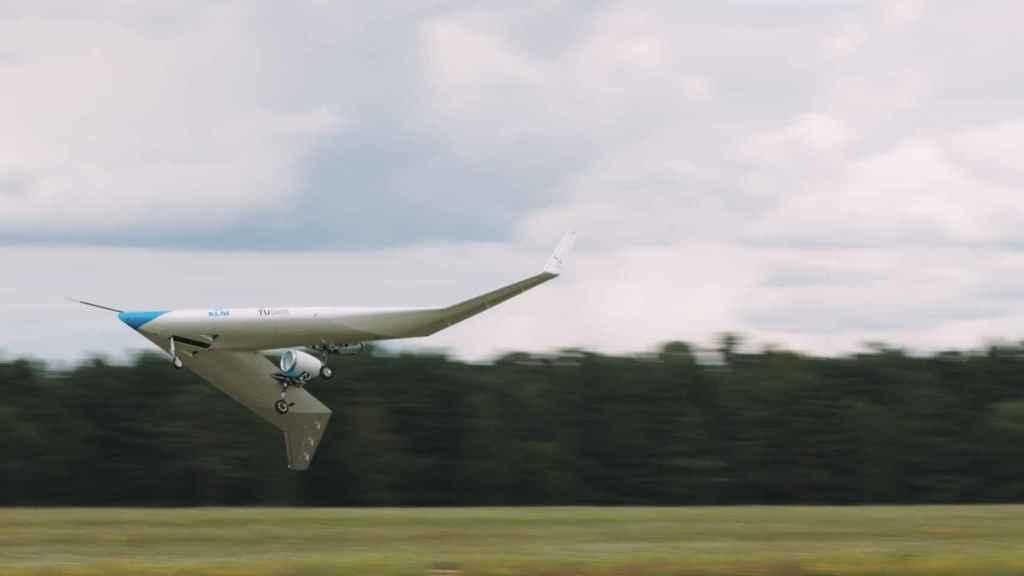 Prototipo del Flying-V, en despegue