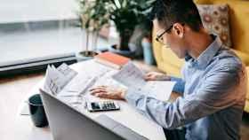 Los jóvenes han convertido la tecnología en su mejor arma para controlar su finanzas.