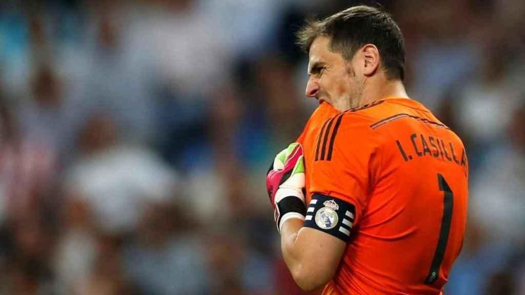 Iker Casillas durante un partido con el Real Madrid