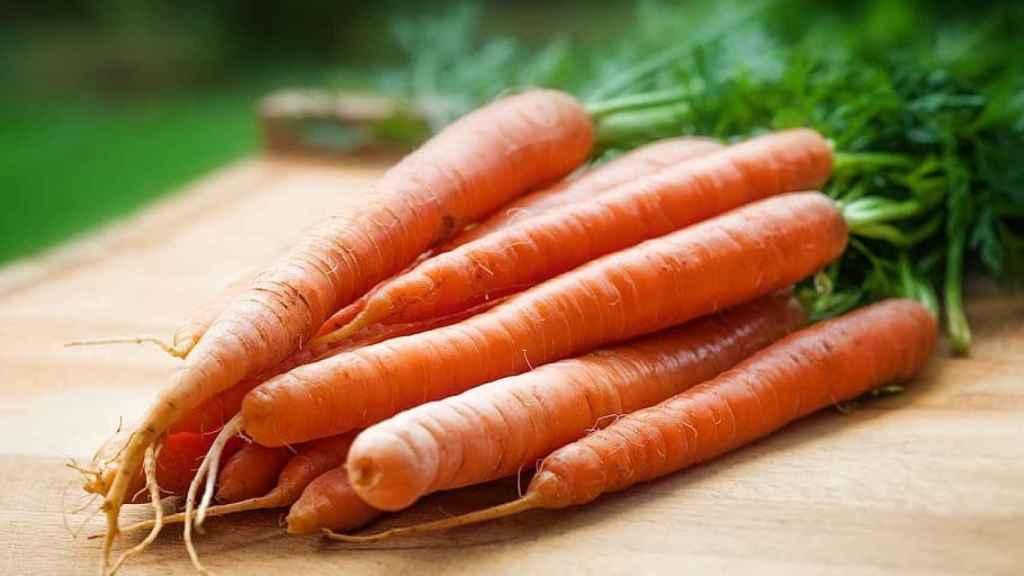 Las zanahorias son buenas para cuidar la salud de los ojos.