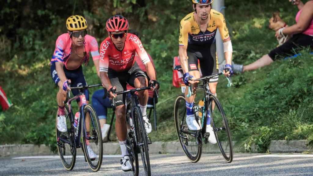 Nairo Quintana y Rigoberto Urán marcan de cerca a Roglic