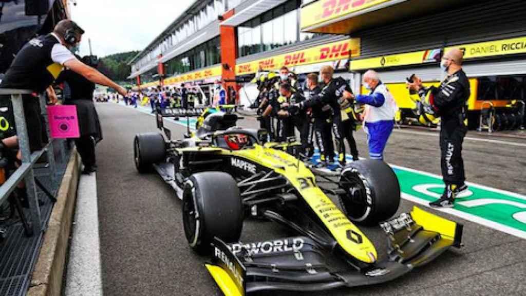El equipo Renault celebra una buena carrera de sus pilotos