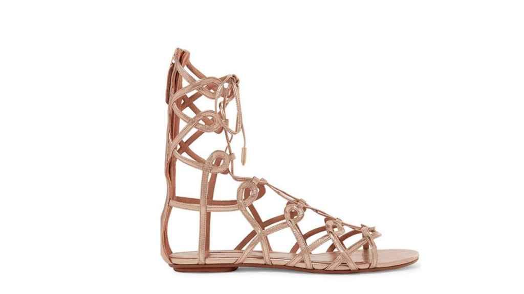 El calzado es el encargado de renovar el estilismo de Nieves Álvarez.