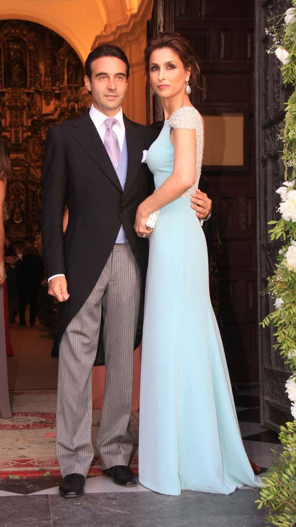 Enrique y su todavía mujer durante un acto social.
