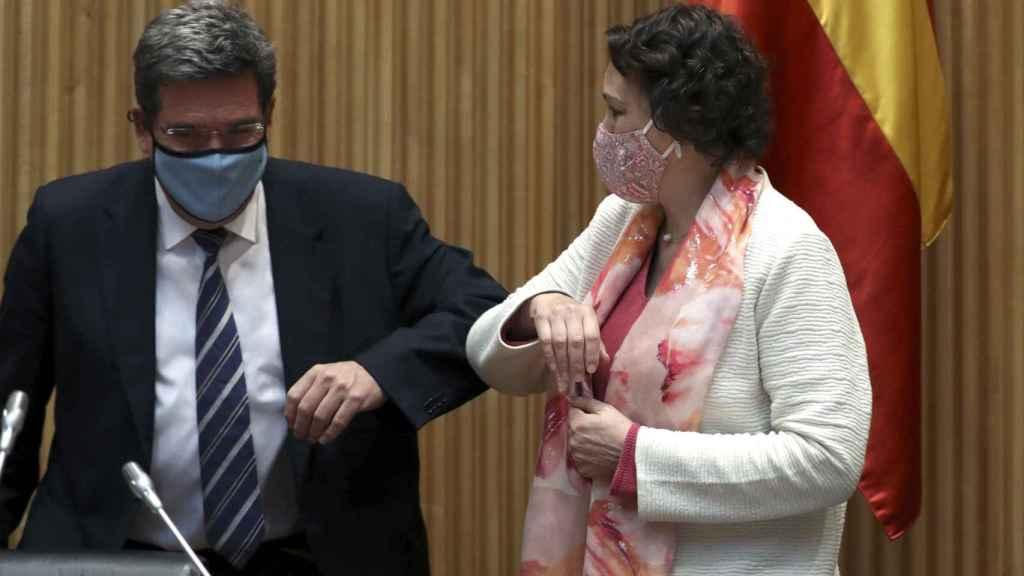 José Luis Escrivá (i) y Magdalena Valerio (d).