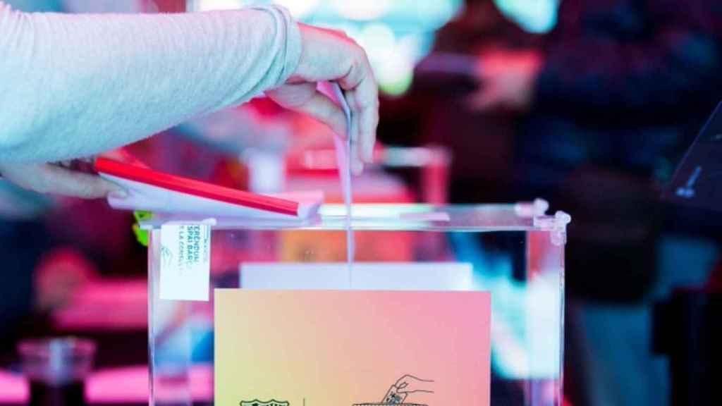 Urna de las elecciones del FC Barcelona