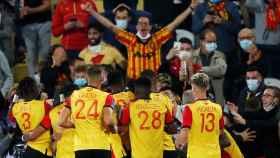 El Lens celebra su gol ante el PSG