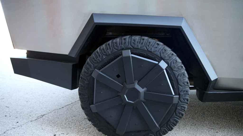 Detalle de esta 'copia' del Tesla Cybertruck.