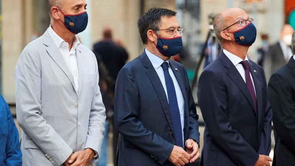 Josep María Bartomeu y su junta directiva, en la ofrenda floral de la Diada
