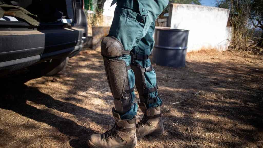 Las protecciones que usa McGyver en sus excursiones para buscar objetos antiguos de artillería.