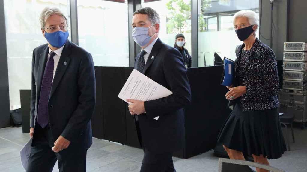 Paolo Gentiloni, Paschal Donohoe y Christine Lagarde, este viernes en el Eurogrupo de Berlín