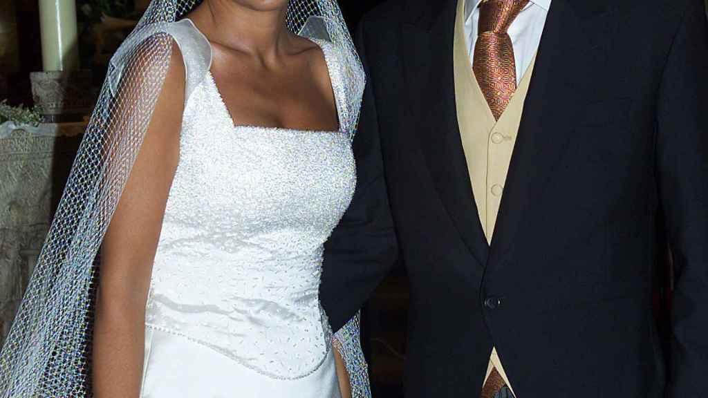 Carmen Alcaye y su marido, Eduardo Primo, durante su boda en el año 2003.